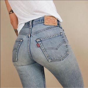 Levi's 501 Mom Jeans Light Wash Button Fly